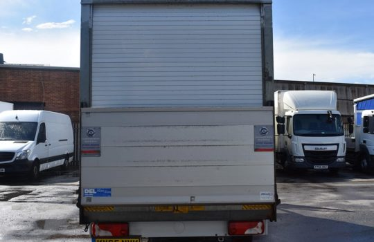 BACK OF MERCEDES BENZ SPRINTER 313 LWB LUTON BOX T/LIFT